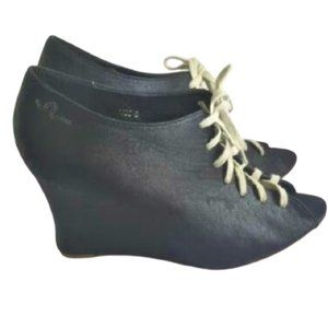 FEUD Marianne black wedge heel lace up shoes
